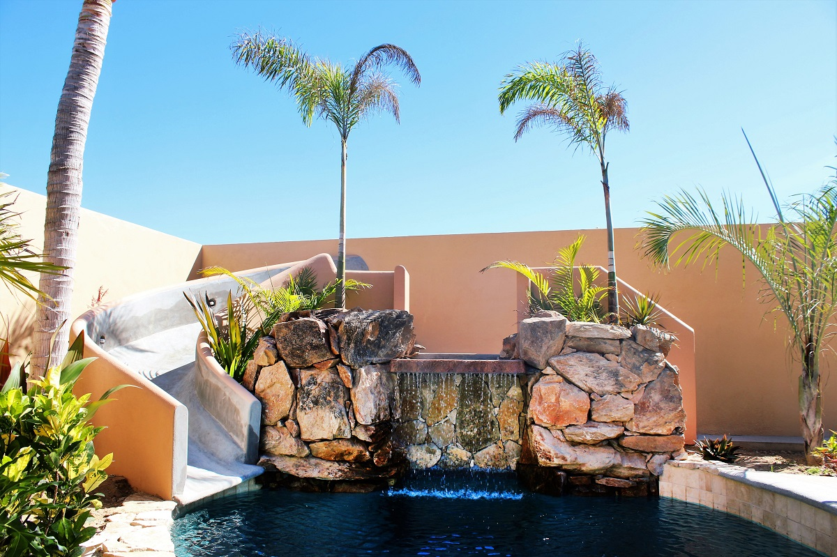 Waterslide and waterfall at Cerritos Beach Inn pool
